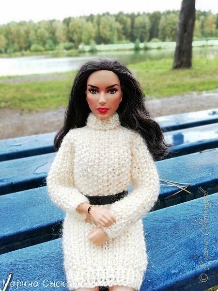 Накопились у меня тут фото ))) Это Миранда в новом платье свитере . Гуляли на озере . фото 9