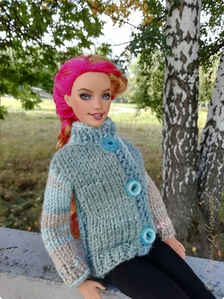 Накопились у меня тут фото ))) Это Миранда в новом платье свитере . Гуляли на озере . фото 24
