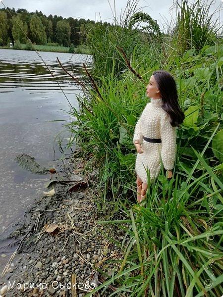 Накопились у меня тут фото ))) Это Миранда в новом платье свитере . Гуляли на озере . фото 6