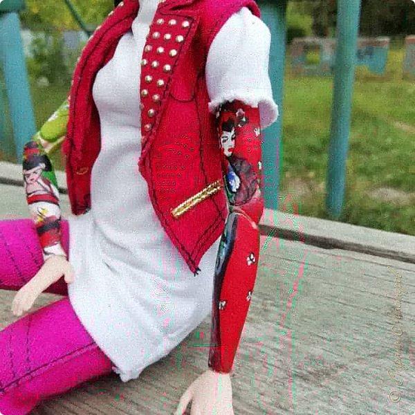 Накопились у меня тут фото ))) Это Миранда в новом платье свитере . Гуляли на озере . фото 22
