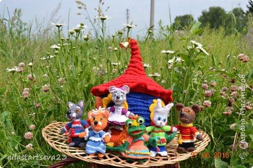 Трудно переоценить значение кукольного театра в общем развитии ребенка. Это игра - экспромт. Это русская народная сказка с ее поучительным эффектом - вид устного народного творчества. Еще и пример декоративно-прикладного творчества. фото 5