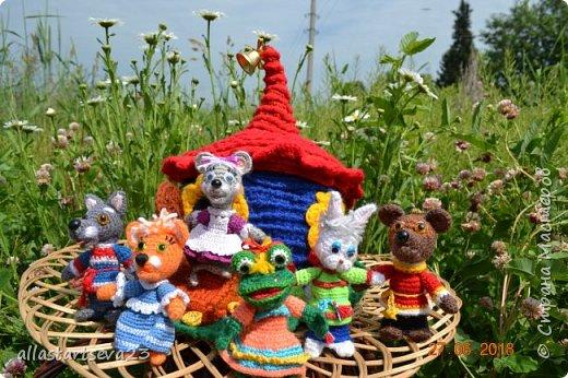Трудно переоценить значение кукольного театра в общем развитии ребенка. Это игра - экспромт. Это русская народная сказка с ее поучительным эффектом - вид устного народного творчества. Еще и пример декоративно-прикладного творчества. фото 6
