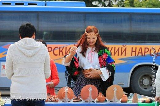 Поселку Краснозёрское Новосибирской области,  в котором я родилась и прожила почти всю свою жизнь  - исполнилось 245 лет. Организаторы праздника подготовили обширную программу, которая была спланирована таким образом, чтобы каждый житель, и стар и млад, нашел в ней что-то интересное именно для себя. Для жителей поселка и гостей праздник начался уже в 8.50 с утренней разминки, которую провели ученики школ.   фото 11