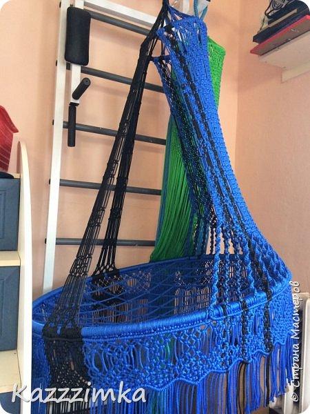 Одинаковое плетение и подушки,разница в цвете ниток и лент на подушках.... фото 8