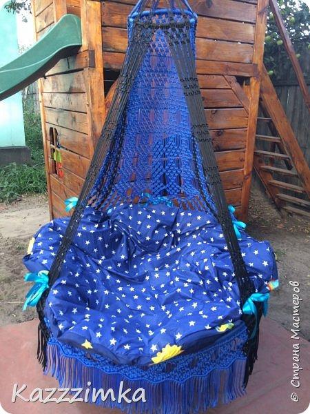 Одинаковое плетение и подушки,разница в цвете ниток и лент на подушках.... фото 7
