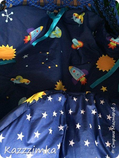 Одинаковое плетение и подушки,разница в цвете ниток и лент на подушках.... фото 9