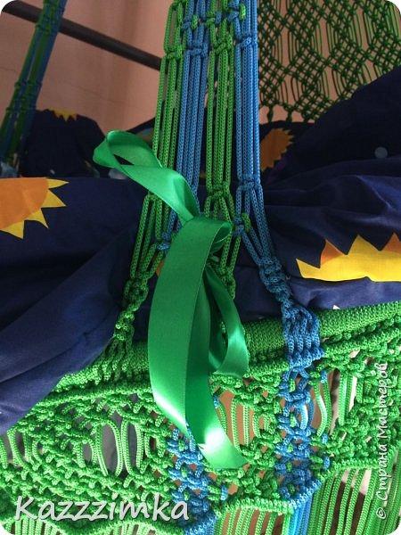 Одинаковое плетение и подушки,разница в цвете ниток и лент на подушках.... фото 5