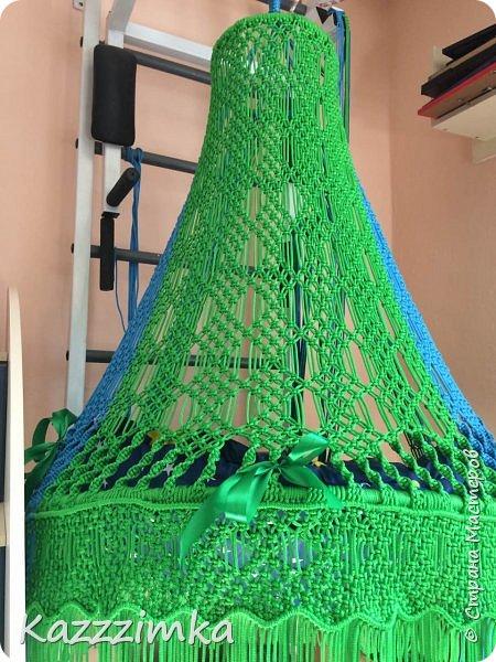 Одинаковое плетение и подушки,разница в цвете ниток и лент на подушках.... фото 3