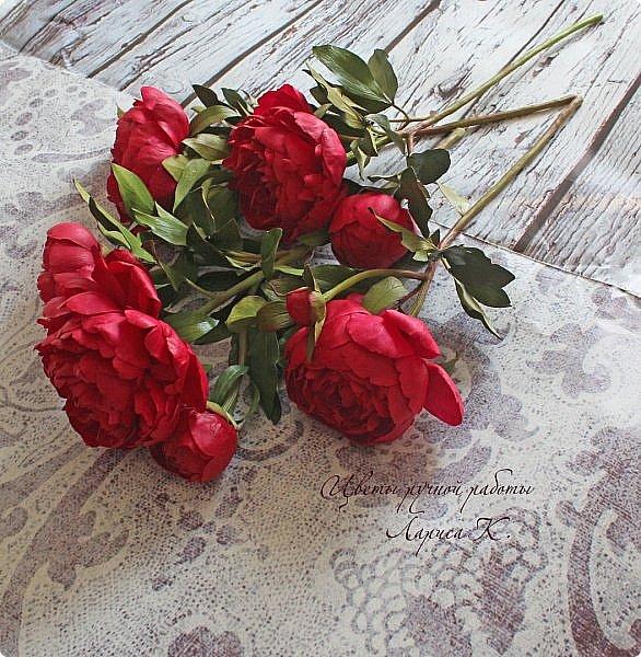 Букет красно-малиновых пионов. фото 2