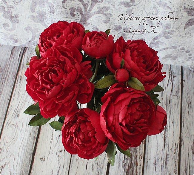Букет красно-малиновых пионов. фото 4