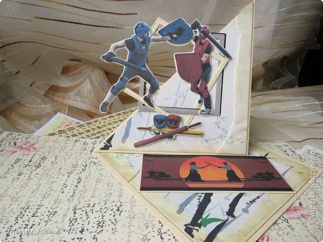 Всем здравствуйте! Сегодня хочу показать свои открытки для Ирины Самурайчик. Мы давно, еще по весне договаривались, что я ей сделаю открытку на 20-летие сыну. А сын увлекается Тямбару. Ой как мне интересно стало! Это это за зверь и с чем его едят?! В помощь интернет. Тямбара - тренировочный имитатор меча. Предназначен для лёгких тренировочных спарингов по историческому фехтованию. Длинна - 90 см. Материалы: пластик, энергофлекс, чехол из плотной прорезиненой ткани. фото 13