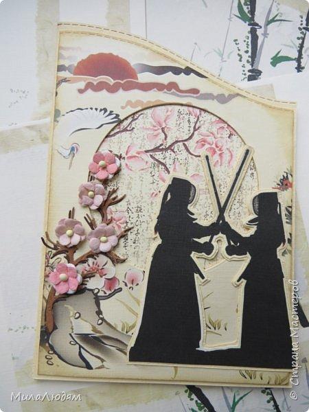 Доброго времени суток всем! Я продолжаю Самурайскую тему. Вторая открыточка. Она мне очень нравится.Она получилась очень органичная. Только она розовая, нежная и женственная. Или мне так кажется? Напоминаю: Тямбара - это «бой на мечах», специфический для Японии жанр историко-приключенческого кино, повествующий о самураях и сражениях на мечах, своего рода аналог американских вестернов и европейских фильмов плаща и шпаги. Слово «тямбара» происходит от «тянтян-барабара» звукоподражания, описывающего звук мечей в бою. Википедия фото 2