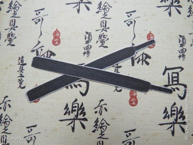 Доброго времени суток всем! Я продолжаю Самурайскую тему. Вторая открыточка. Она мне очень нравится.Она получилась очень органичная. Только она розовая, нежная и женственная. Или мне так кажется? Напоминаю: Тямбара - это «бой на мечах», специфический для Японии жанр историко-приключенческого кино, повествующий о самураях и сражениях на мечах, своего рода аналог американских вестернов и европейских фильмов плаща и шпаги. Слово «тямбара» происходит от «тянтян-барабара» звукоподражания, описывающего звук мечей в бою. Википедия фото 8