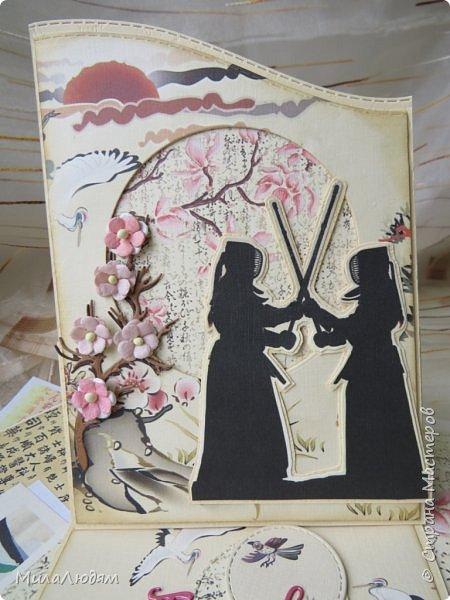 Доброго времени суток всем! Я продолжаю Самурайскую тему. Вторая открыточка. Она мне очень нравится.Она получилась очень органичная. Только она розовая, нежная и женственная. Или мне так кажется? Напоминаю: Тямбара - это «бой на мечах», специфический для Японии жанр историко-приключенческого кино, повествующий о самураях и сражениях на мечах, своего рода аналог американских вестернов и европейских фильмов плаща и шпаги. Слово «тямбара» происходит от «тянтян-барабара» звукоподражания, описывающего звук мечей в бою. Википедия фото 18