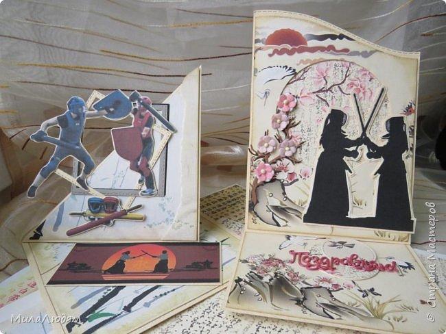 Доброго времени суток всем! Я продолжаю Самурайскую тему. Вторая открыточка. Она мне очень нравится.Она получилась очень органичная. Только она розовая, нежная и женственная. Или мне так кажется? Напоминаю: Тямбара - это «бой на мечах», специфический для Японии жанр историко-приключенческого кино, повествующий о самураях и сражениях на мечах, своего рода аналог американских вестернов и европейских фильмов плаща и шпаги. Слово «тямбара» происходит от «тянтян-барабара» звукоподражания, описывающего звук мечей в бою. Википедия фото 1