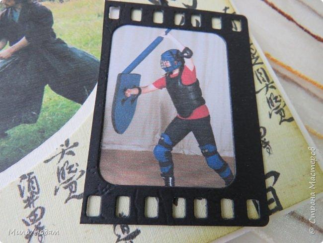 И это опять я, здравствуйте! Продолжение темы самураев, Японии и тямбары.  Тямбара - тренировочный имитатор меча. Предназначен для лёгких тренировочных спарингов по историческому фехтованию. Длинна - 90 см. Материалы: пластик, энергофлекс, чехол из плотной прорезиненой ткани. фото 4