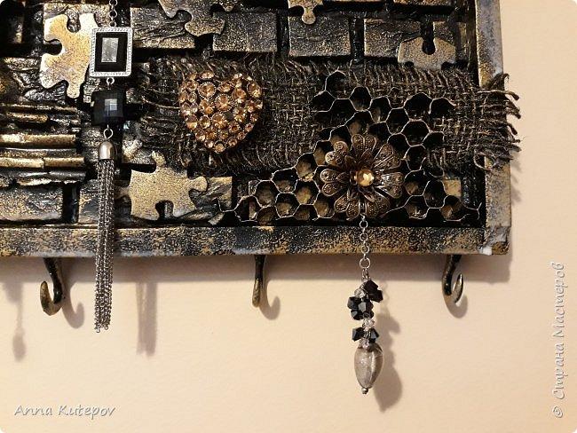 "Ключница ""Пчелинный рай"" фото 4"