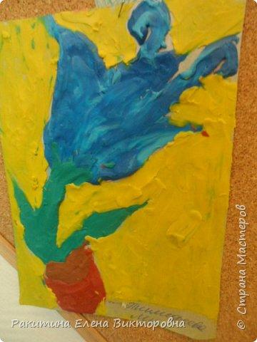 """Добрый день всем! В начале сентября в Москве проходил фестиваль """"Цветочный Джем"""", вот и мы с ребятами поучаствовали в нем - на уроке ИЗО рисовали пластилином цветы, вот такие замечательные картинки получились. Дети выбрали раскраски по своему вкусу, кто-то нарисовал сам цветочек. фото 16"""