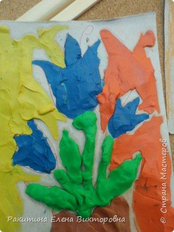 """Добрый день всем! В начале сентября в Москве проходил фестиваль """"Цветочный Джем"""", вот и мы с ребятами поучаствовали в нем - на уроке ИЗО рисовали пластилином цветы, вот такие замечательные картинки получились. Дети выбрали раскраски по своему вкусу, кто-то нарисовал сам цветочек. фото 18"""
