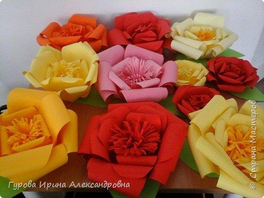 """Украшение """"Розы из бумаги"""" фото 1"""