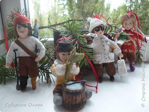 Здравствуйте всем еще раз! А это уже мальчишки - слева направо - Пират,Емеля,доктор Пилюлькин и Иван-царевич! фото 1