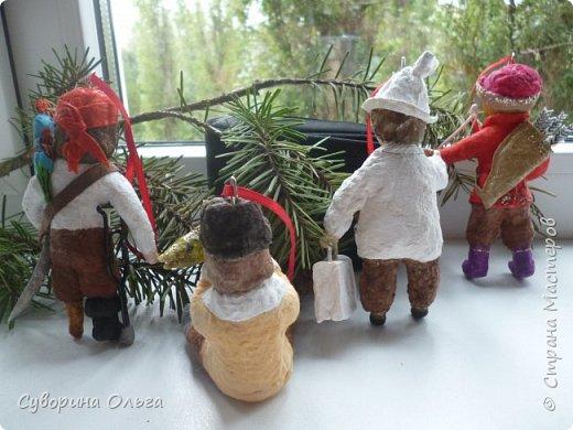 Здравствуйте всем еще раз! А это уже мальчишки - слева направо - Пират,Емеля,доктор Пилюлькин и Иван-царевич! фото 2
