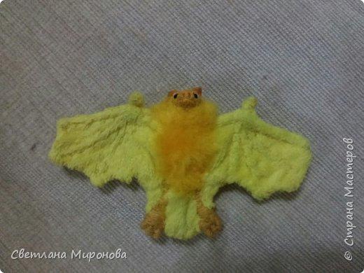 Летучая мышка в смешанной технике фото 8