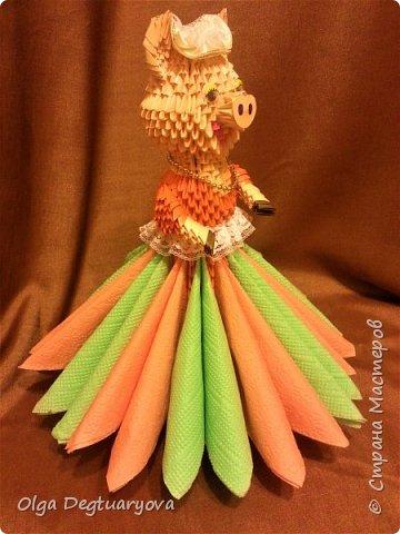 Приветствую жителей Страны Мастеров! Продолжаю хрюшкину тему. Вдохновившись шикарными работами Полины (https://stranamasterov.ru/node/1154013), я решила сделать свою версию для всех любителей модульного оригами. И у меня получилась Хрюша-салфетница. фото 2