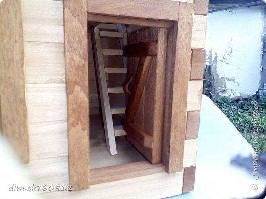 Это проект нового домика, на данный момент работа пока не совсем закончена. Ещё немного работы над наружными частями дома, а затем большая работа по внутреннему обустройству, а это мебель и прочие детали. По полному окончанию работ опубликую фото более подробные и лучшего качества. фото 5