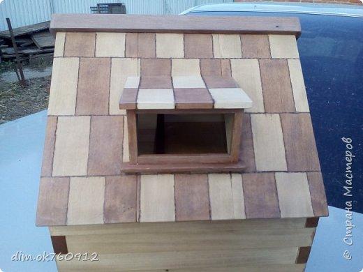 Это проект нового домика, на данный момент работа пока не совсем закончена. Ещё немного работы над наружными частями дома, а затем большая работа по внутреннему обустройству, а это мебель и прочие детали. По полному окончанию работ опубликую фото более подробные и лучшего качества. фото 4