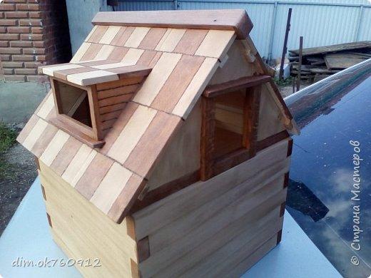 Это проект нового домика, на данный момент работа пока не совсем закончена. Ещё немного работы над наружными частями дома, а затем большая работа по внутреннему обустройству, а это мебель и прочие детали. По полному окончанию работ опубликую фото более подробные и лучшего качества. фото 3