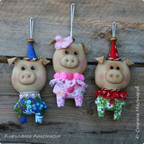 Добрый вечер! Поздновато, но я начала подготовку к Новому году. Как известно, это год Свиньи. Принимайте моих маленьких поросят, свинок.. Пока такие.. фото 2