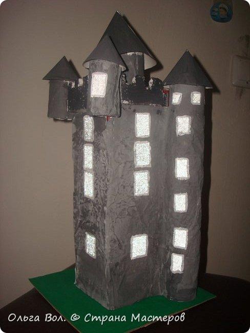 Башня Скрабо была сделана для урока английского языка .Принимала участие в выставке посвященной недели английского языка в школе фото 1