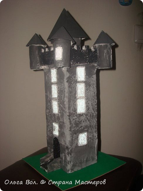 Башня Скрабо была сделана для урока английского языка .Принимала участие в выставке посвященной недели английского языка в школе фото 2