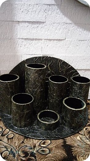 Органайзеры или карандашницы из картонных трубок,не подходящих для изготовления моих шкатулок...эти трубочки оказались меньше диаметром и немного тоньше стеночки...вот решила их так приспособить. фото 10