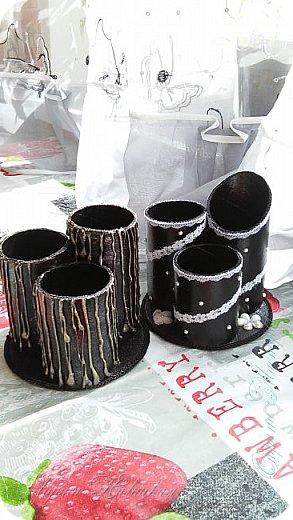 Органайзеры или карандашницы из картонных трубок,не подходящих для изготовления моих шкатулок...эти трубочки оказались меньше диаметром и немного тоньше стеночки...вот решила их так приспособить. фото 5
