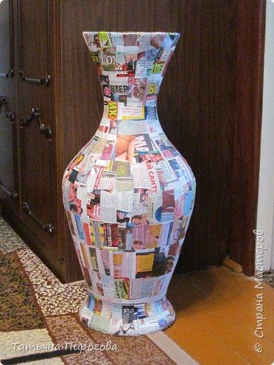Добрый вечер, жители Страны. Вашему вниманию представляю напольную вазу. Она была изготовлена три года назад на 47- летнюю годовщину свадьбы родителей.Высота вазы 70 см.Ваза задрапирована тканью, листья сделаны из соленого теста. фото 2