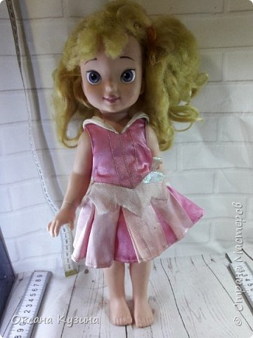 Здравствуйте, всем кто заглянул. Захотелось мне немного  побороться с дискриминацией мужского пола в кукольных рядах. Согласитесь девчушек куколок у нас огромное разнообразие, а вот с мальчишками как-то не так. В общем на Ваш суд мой мальчишка из куклы Дисней Аврора 2002 года.  фото 2