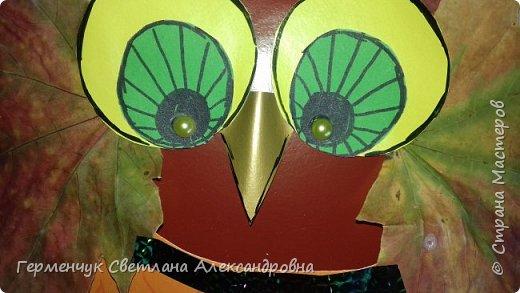 Добрый вечер,  СМ !!!   Сегодня с ребятами на уроке труда смастерили сову с карманом , в который можно положить ручку , карандаш , ножницы  или конфеты !!! Совушку можно  повесить за петельку  над письменным столом и школьные принадлежности никогда не потеряются !!!  У всех ребят получились разнохарактерные птицы : мудрые и внимательные , веселые и грустные, модницы и красавицы,...А впрочем посмотрите сами... фото 35