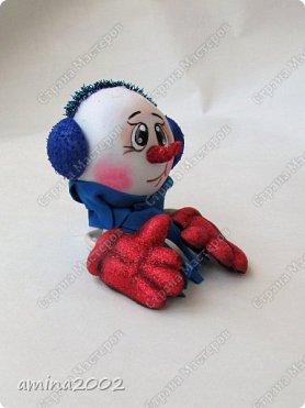 Доброго времени суток! Новогодняя игрушка из фоамирана, изготовлена при помощи молдов. фото 2