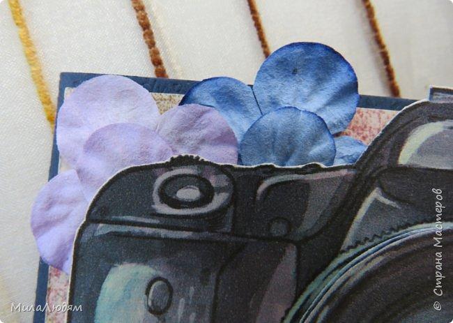 """Всем здравствуйте! Вот и 2 этап АТС-игры """"На память о лете"""", организованной Оксаной https://stranamasterov.ru/node/1152161. Как лучше сохранить память о лете,  о его красоте, о событиях этим летом, о путешествиях? - конечно же через фотоаппарат и красивые кадры. А потм напечатать фото. Только, когда пошли цифровики, мало кто теперь печатает фото. Уже при фотосессии , когда снимала по одной карточке, заметила, что две карточки не дооформлены. Я их оформила, но больше все общим планом не снимала. Последняя девятая дополнительная -  кому повезет. Она немного бракованная. Потом все о ней расскажу. А что находится внутри фотоаппарата? фото 29"""