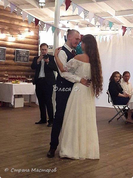 Сколько свадеб я оформила, наверное, даже не сосчитаю. И вот дошла очередь до собственного ребенка. И тут началось - рустик! Рустик!!!! Не розы, не кружева, не атлас... Здравствуй мешковина.... сколько раз представляла свадьбу дочери, но мешковины там точно не было... А пришлось... фото 25
