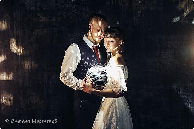 Сколько свадеб я оформила, наверное, даже не сосчитаю. И вот дошла очередь до собственного ребенка. И тут началось - рустик! Рустик!!!! Не розы, не кружева, не атлас... Здравствуй мешковина.... сколько раз представляла свадьбу дочери, но мешковины там точно не было... А пришлось... фото 21