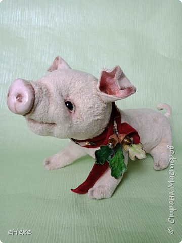 Свинка Лялька родилась по выкройке и вебинару Янины Орса. Пятачок, ушки, веки и украшение я сделала из натуральной кожи. фото 6