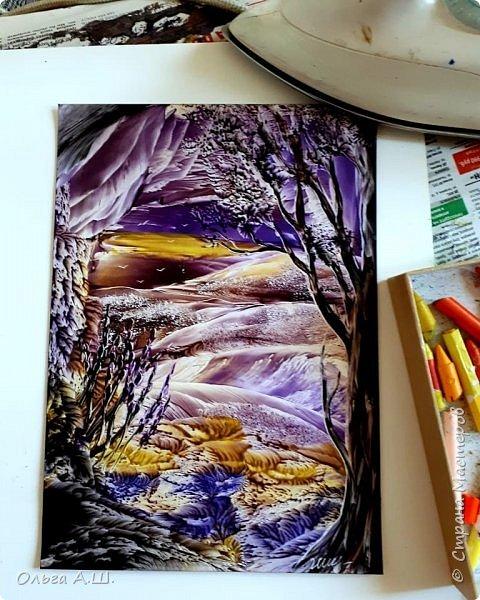 Возьмем утюг, картон и восковой карандаш . И вот готов уже пейзаж)))) фото 1