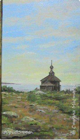 Деревянная церковь на севере России. Рисунок с фотографии, выполнен масляными красками на оргалите. Размер 12 х 22 см фото 1