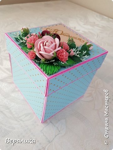 Вот такую коробочку 12х12х12см сделала на День рождения  подруженьке. фото 1