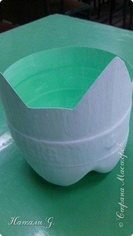 Цветочники  из пластиковых бутылок фото 3