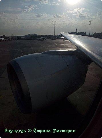 Всем привет! Недавно были в Турции. Мой фоторепортаж на эту тему. На фото можно видеть борт, на котором мы летели туда. Место: Международный аэропорт Шереметьево, терминал F. Время 8:30. фото 2