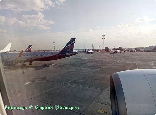 Всем привет! Недавно были в Турции. Мой фоторепортаж на эту тему. На фото можно видеть борт, на котором мы летели туда. Место: Международный аэропорт Шереметьево, терминал F. Время 8:30. фото 3